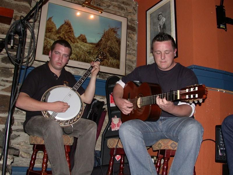 Vi er jo tross alt på studietur, og hva er vel ikke bedre enn godt øl og artig god irsk musikk.