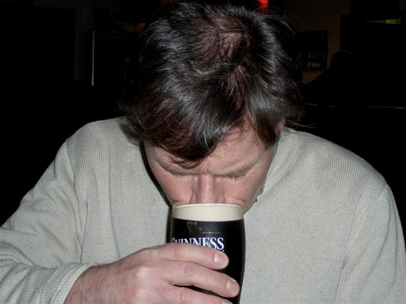 En liten test av det gode, mørke øl, lukte, smake - hmm åhhhh Guinness.