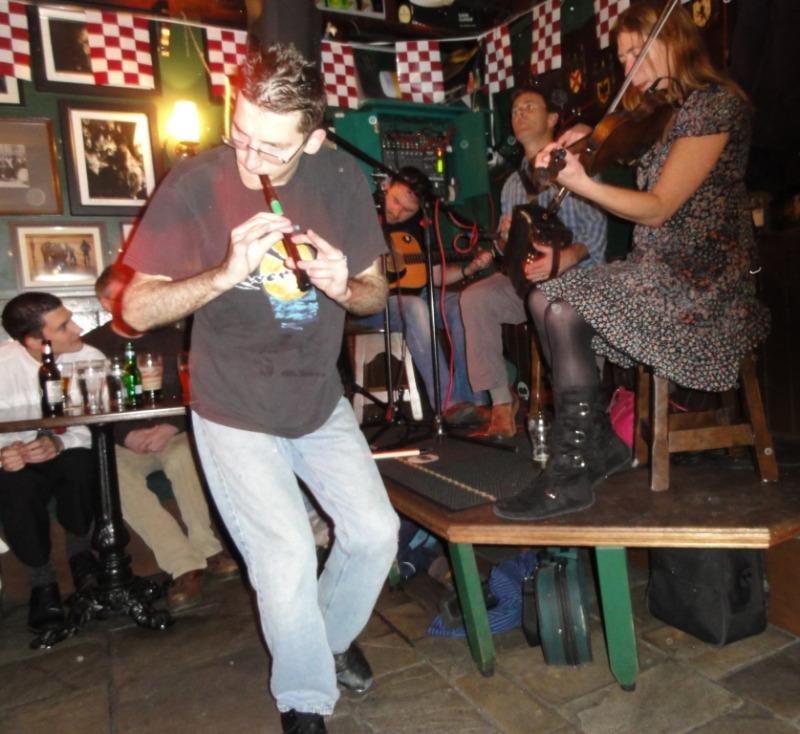 En fantastisk fløytespiller. Han danset river dance, steppet og spilte fløyte SAMTIDIG!