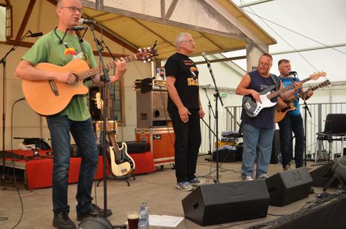 Veldig gøy å spille for så mange feststemnte folk som det var på Hamar Ølfestival 2014.